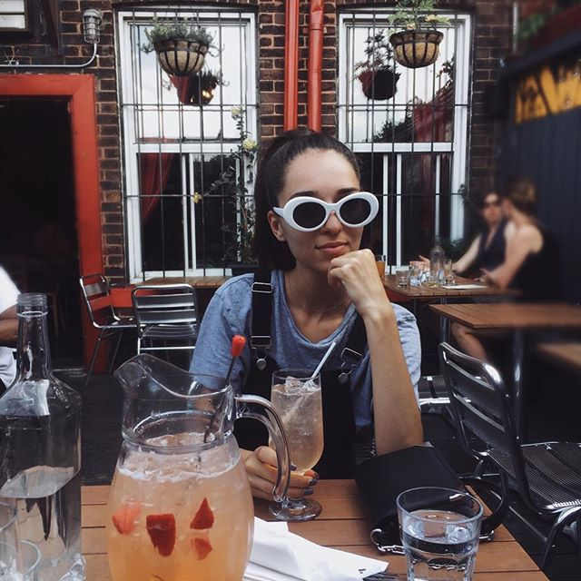 ✭ SANGRIA is the 🔑 to happiness ✭ . . . #canadianblogger #torontolife #torontostyle #torontoblogger #ootd #fashionblogger #styleblogger #citylife #streetstyleluxe #lifestyleblogger #toronto #fridayfeeling #fridaynight